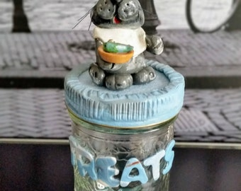 Handmade cat treats jar, kitty treats, treats jar, cat treats jar, pet food and treats, pet feeding, treats container, polymer clay cat, pet