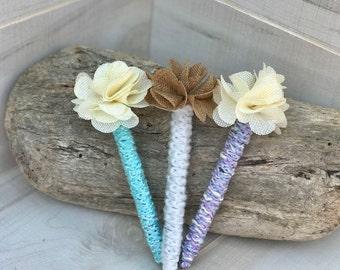 Crocheted Flower Pen, Wedding Guest Book Pen, Decorative Pen, Burlap Flower Pen, Wedding Pen, Yarn Wrapped Pen, Crochet Pen, Shabby Chic Pen