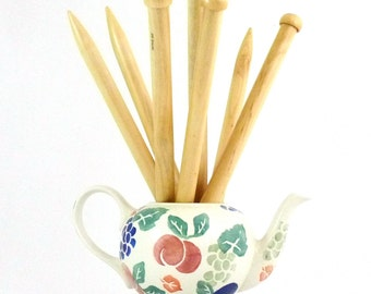 Chunky Wooden Knitting Needles 15mm & 20mm (35cm)