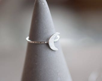 Crescent moon sterling silver stacking ring, 1.2 mm skinny silver stackable ring with half moon