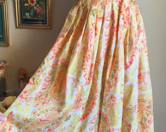 Sweet Vintage 50s 60s Garden Party Flare Yellow Floral Skirt