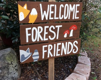 Welcome Forest Friends. Party Sign. Kids Party Sign, Rustic Signs, Fox Racoon Deer Mushrooms Woodland Party Decor Baby Shower Sign Gift