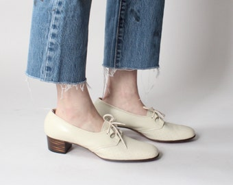 cream chunky heel perforated oxfords | 1970s leather oxfords size US 10 EU 41