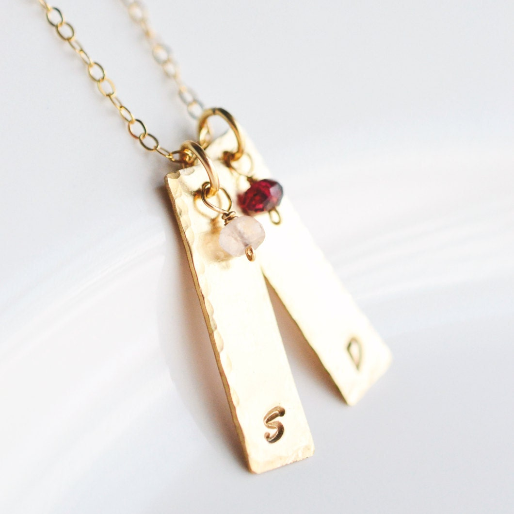 gold mothers necklace mom necklace with initials. Black Bedroom Furniture Sets. Home Design Ideas