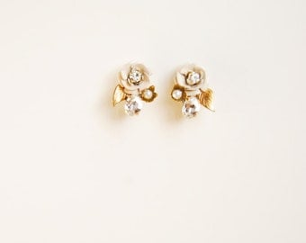Flower and leaf post earrings, gold jewelry for bride, wedding accessories - style 719