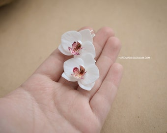 White Orchid earrings, Phalaenopsis earrings, white flower earrings, fimo flowers, romantic earrings, white wedding jewelry