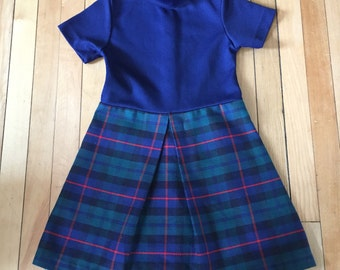 Vintage 1970s Girls Navy Plaid Polyester Dress! Size 6-7