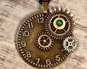 Round Clock Pendant Steampunk Necklace Steampunk Jewelry Clock Jewelry Gear Necklace Vintage Watch Parts Cogs Green Steam punk Jewellery