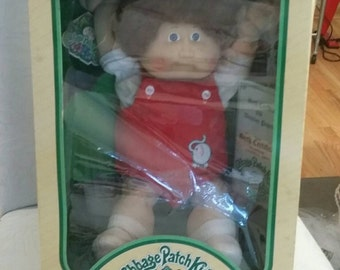 1983 Cabbage Patch Doll Brown Hair Fuzzy Brown Eyes in Box