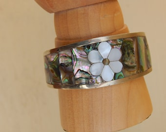 Vintage Inlaid Abalone and Mother of Pearl Cuff Bracelet from Mexico, Hippie Boho Jewelry, Small Cuff, Floral Bracelet