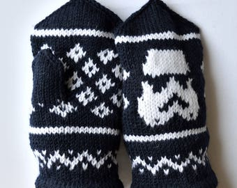Hand knitted unisex ''Star wars'' mittens