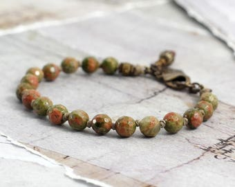 Unakite bracelet Natural stone bracelet Moss green jewelry Rustic jewelry with knots Cowgirl jewelry Knotted bracelet Simple stone bracelet