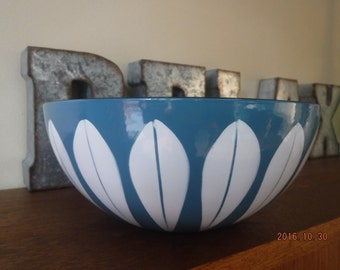 """Cathrineholm Blue and White Lotus Bowl, 9.5"""" Mid Century Modern Classic"""