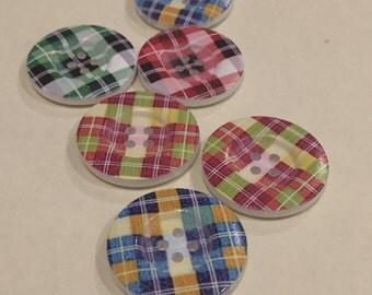 Funky Tartan 4 hole button, 3cm diameter, pack of 8