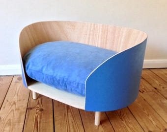 Mid Century // Modernist // Pet // Dog Furniture // Cat Furniture// Bed //