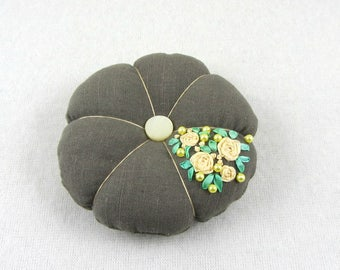 Pincushion, embroidered linen cushion, sewing accessory, floral pincushion, Hand embroidered pincushion, needle holder