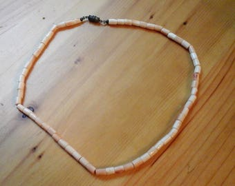 Coral Strand Necklace (natural coral)