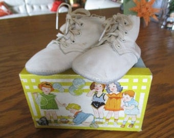 Vintage Wee Walker Baby Shoes with original box.  J.C. Penney Co. Incorporated