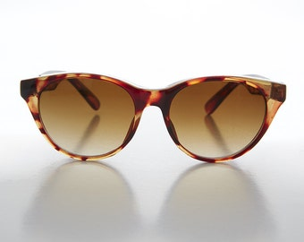 Cat Eye Horn Rim Classic Brown Tortoiseshell Vintage Sunglass - Kitty