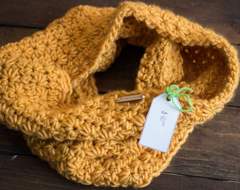 Giant Knitted Chunky Cowl // Yellow