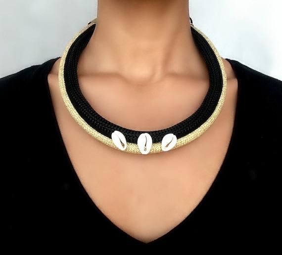 collier cauri collier pour femme collier par vchristinacollection. Black Bedroom Furniture Sets. Home Design Ideas