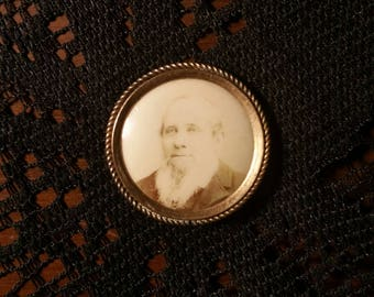 antique Victorian mourning brooch photo man