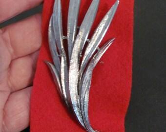 Vintage Leafy Silver Finished Metal Brooch