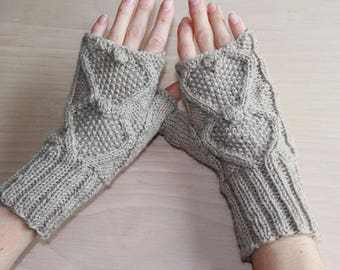 Wool knit fingerless gloves with bobble seed stitch design