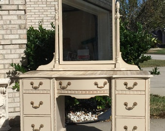 Solid wood vanity,makeup vanity,beige makeup table,bedroom furniture,desk,girl vanity,girl bedroom furniture,
