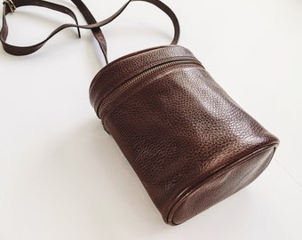 vintage leather crossbody bag / leather bucket bag / brown leather purse / brown purse / pebbled leather handbag / leather camera bag