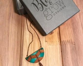 Wooden Necklace - Zigzag Ombre Fringe