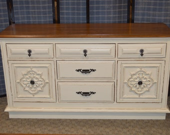 Vintage Shabby Cottage Chic Sideboard/Accent Cabinet