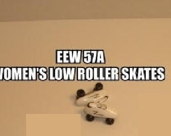 Dollhouse Miniature Roller Skates, Women's Low Top, One Pair #EEW57A