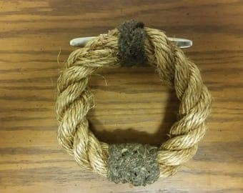 Rope grommet towel ring