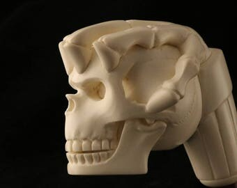 Skull on a Skeleton Hand Meerschaum Pipe in a fitted CASE 7990