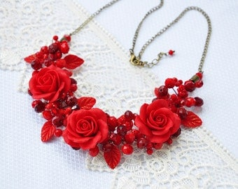 Necklace with roses. Necklace made of polymer clay. Wedding decoration. Red rose. Pink roses. Delicate decorations.