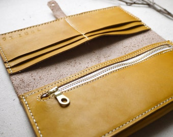 Yellow Leather bi-fold purse, hand dyed and hand stitched, with zipper pouch.  Handmade in England