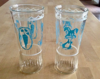 two anchor hocking rabbit/carrot animal tumblers  1537 5 30