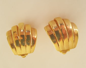 ERWIN PEARL Goldtone Ribbed Clip Earrings – Signed