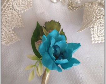 Boutonniere, single flower.