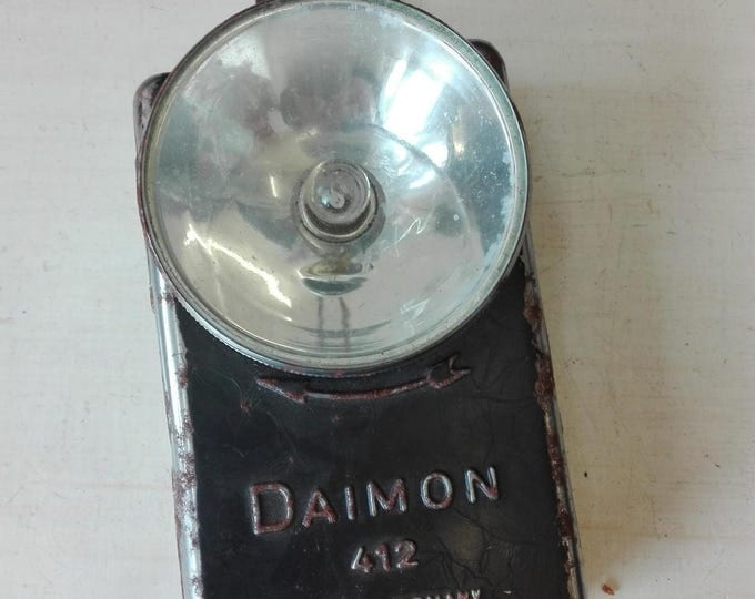 Daimon 412 WWII Flashlight