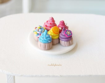 Dollhouse Miniatures, Dollhouse Cupcakes, Miniature Sweet Assorted Multicolour (set of 6) - Dollhouse miniatures, 1/12 scale