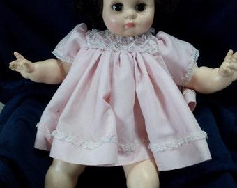 """1977 vintage Madame Alexander Doll 20"""""""