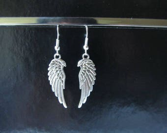 Earrings with wings