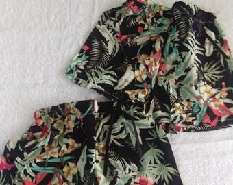 Black jungle print shorts - size 9