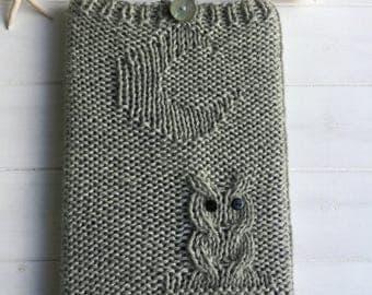 READY KNIT - Owl iPad cover -  chunky/bulky wool - grey