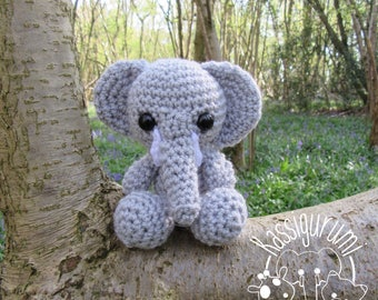 Caroline the elephant small amigurumi