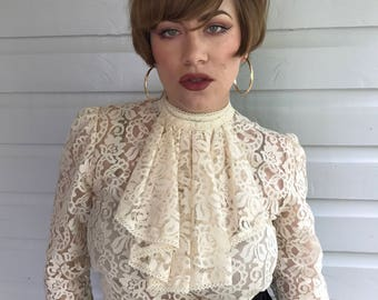 Vintage 1940s Cream Lace Blouse with detachable Bib/Collar size M