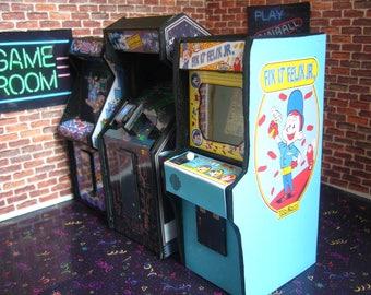 Fix it Felix  Wreck it Ralph Miniature Arcade Machine Model - 1/12th Scale