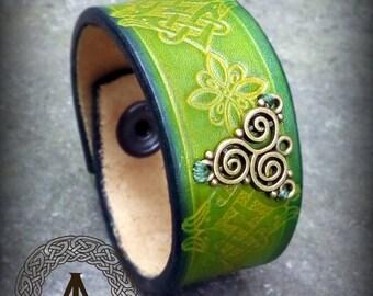 Green Leather Celtic Bracelet with Triskell